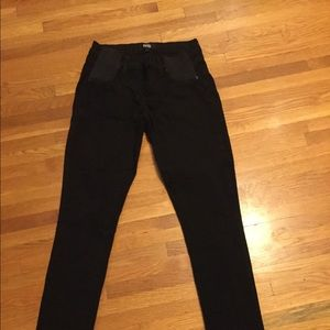 MOVING MAKE OFFERS! Paige size 25 maternity jeans